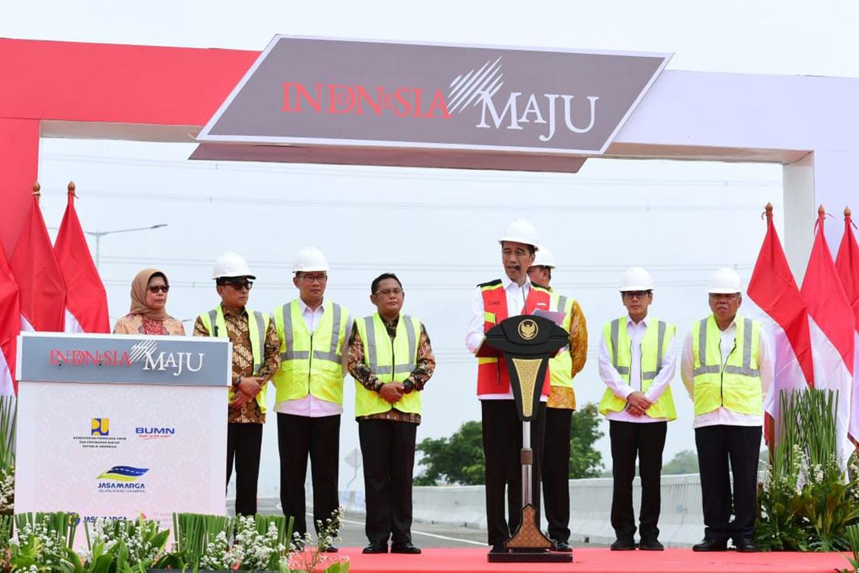 Jokowi Resmikan Tol Layang Japek II